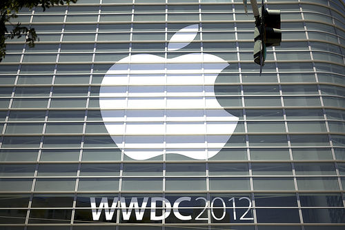 AppleがRetinaディズプレイを搭載した新MacBook Pro発表 – WWDC2012