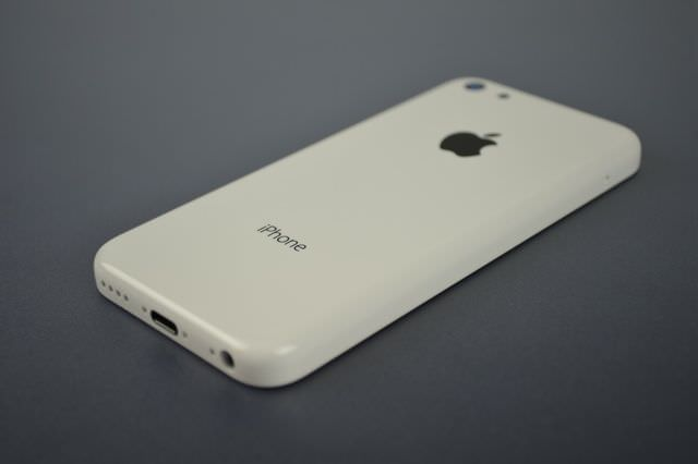 【噂】Appleが9月上旬に新しいiPhoneと廉価版iPhoneの出荷をFoxconnに要求!